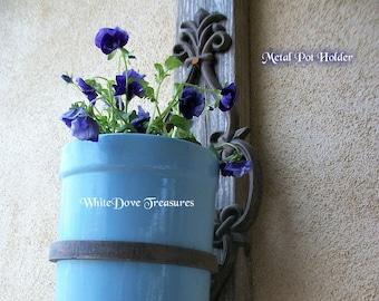 Metal Plant Holder ~ Fleur de Lis Design Wall Pot Holder ~ Patio Garden Decor ~ Indoor Outdoor Plant Holder ~ Iron Work