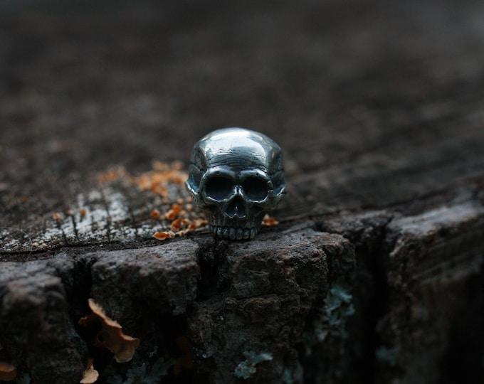 Chunky skull ring