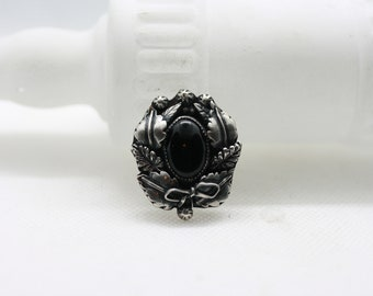 Tombstone Wreath Ring Black Onyx