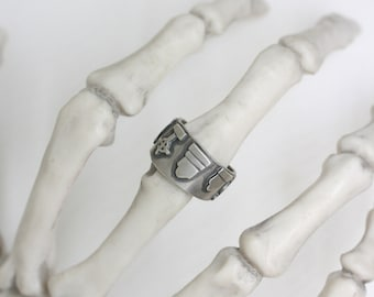 Cemetery Band ring sz 7