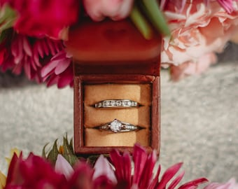 Personalized wedding ring box - One or Two ring slots - Proposal ring box - Small engagement ring box - Ring box for him - Magnetic flap