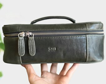 Leather toiletry bag - Monogrammed toiletry bag - Personalized dopp kit - Toiletry  bag women - Mens leather wash bag - Dopp kit monogram d3d88897ed312
