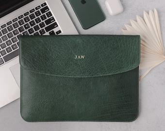 Leather laptop sleeve - MacBook Pro / Air 13 / 15 / 16 inch sleeve - Envelope laptop case  - Personalized laptop folio - Monogrammed case