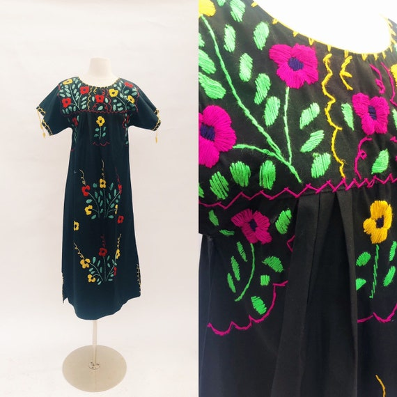Vintage 70's hand embroidered Mexican Puebla maxi