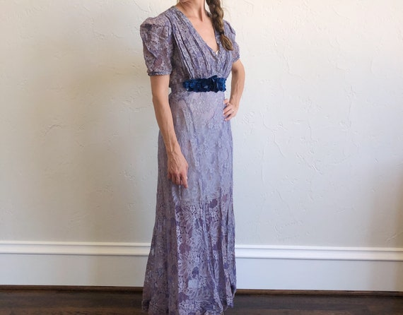 Vintage 30s Old Hollywood purple lace evening dres