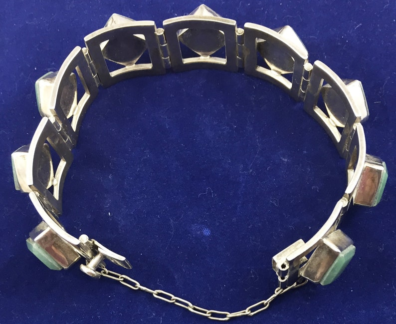 Taxco Mexico Miguel Melendez Sterling Jade  Link Bracelet with safety chain Signed.