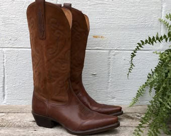 7 M | Women's Vintage Nine West Western Boots in Brown Leather with Wing Tips