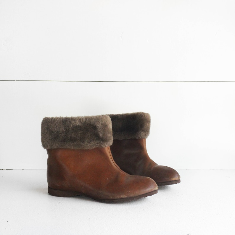69c5ca16a9cbd 6.5 C   1960's Vintage Brown Leather Fleece Lined Winter Ankle Boots MOD