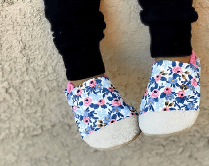 Pink Floral Print Baby Girl Booties