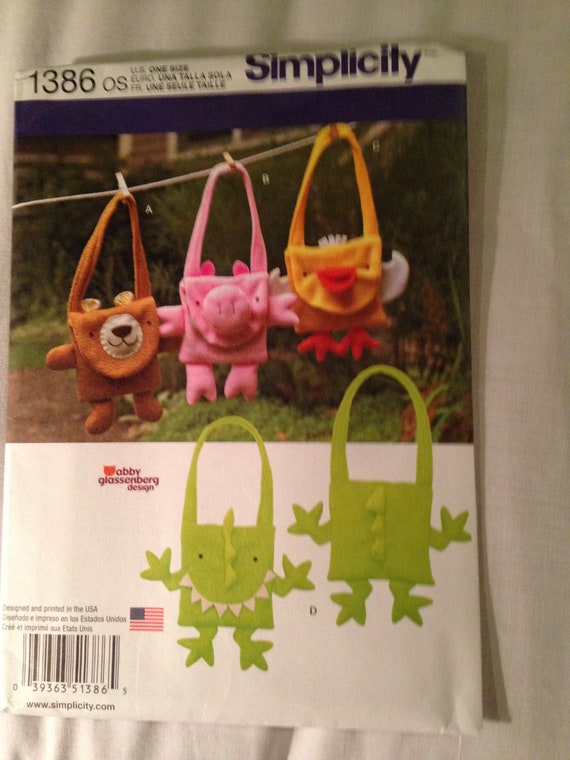 SIMPLICITY PATTERN ANIMAL BAGS BEAR DUCK DINOSAUR PIG # 1386