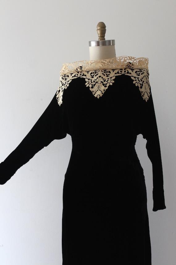 vintage 1930s black velvet evening gown