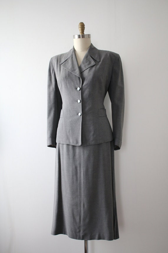 vintage 1940s 50s grey skirt suit