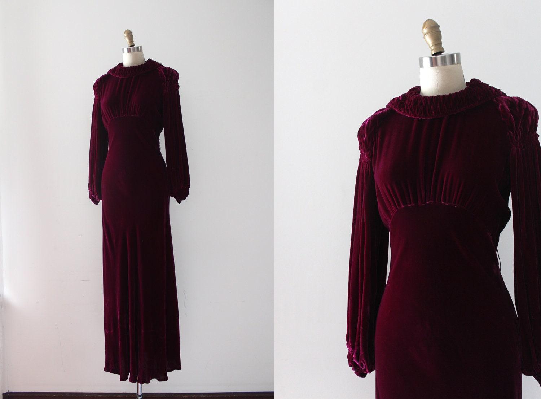 512a232e5fe028 Vintage 1930s gown    30s dreamy velvet dress