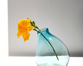 Avolie Glass