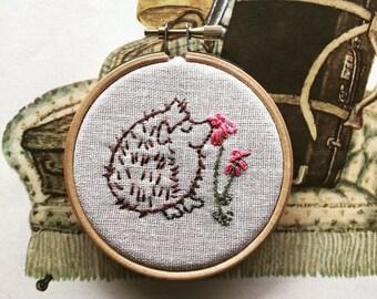 Herzog Hedgehog - Hand Embroidery Kit