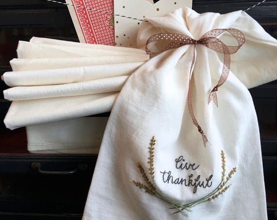 embroidery kit | hand embroidery | holiday embroidery kit | DIY embroidery | live thankful tea towel kit