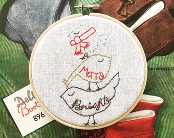 hand embroidered wall hanging | hand embroidery | holiday embroidery | DIY embroidery | merry bright holiday birds