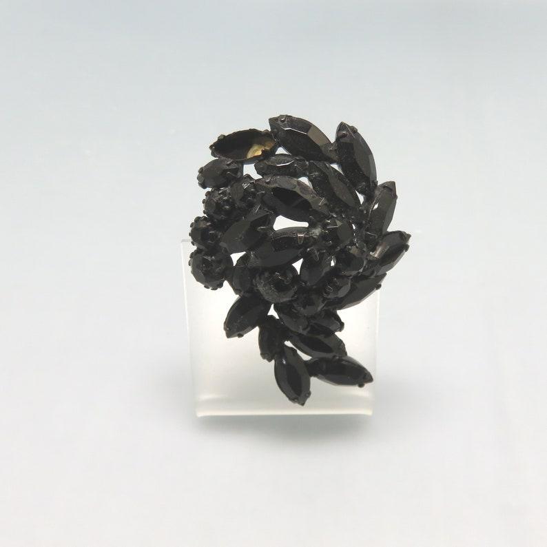 Black Japanned Metal 1960/'s Black Rhinestone Brooch