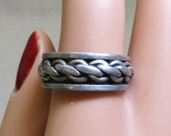Sterling Spinner Band Ring Size 9.50, Vintage, Engraved Design