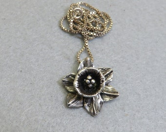Sterling Silver Daffodil Pendant Necklace, Vintage, 18 Inch Chain