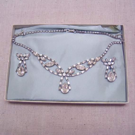 INCREDIBLE 1960s Rhinestone Necklace  Earring Set