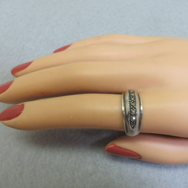 Size 8 Vintage Domed Marcasite Sterling Band Ring