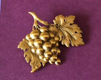 Luscious Warm Gold Grape Cluster Brooch Signed CM
