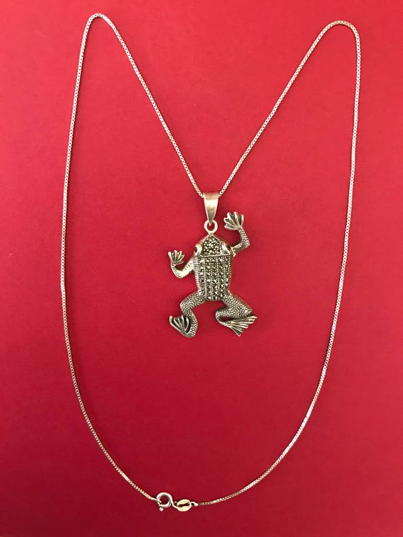 """1-1//2/"""" x 3//4/"""" ENAMEL CATS with Rhinestone Collar Pendant Necklace with 20/"""" Chain"""