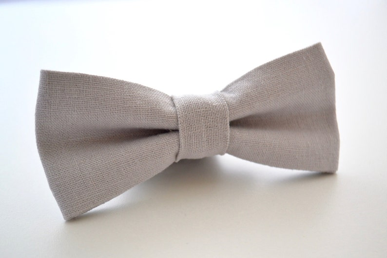 Light Gray Bow Tie Mens Bow Tie in Silver Linen