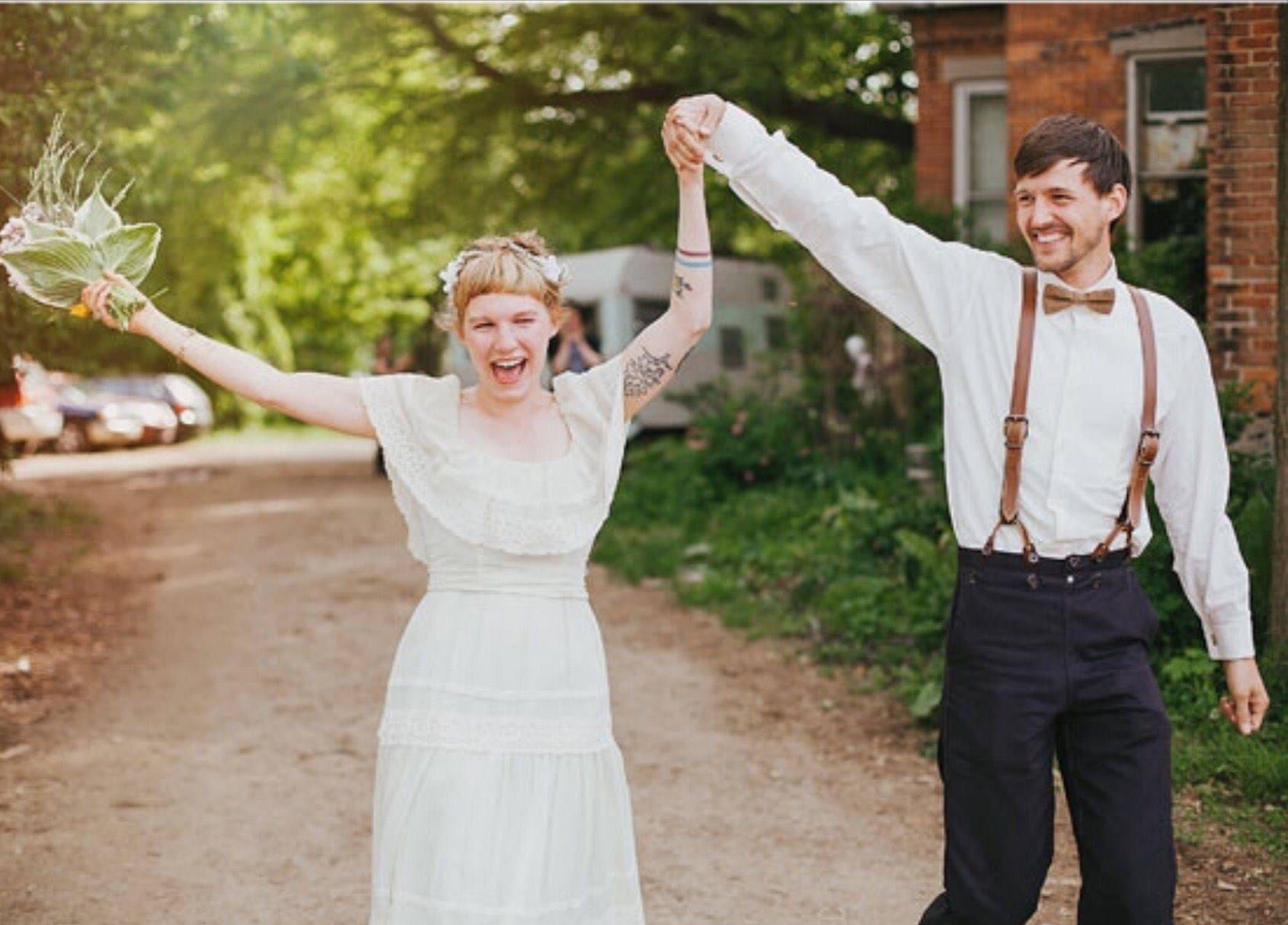 Mens Bowtie in Brown Linen, Groomsmen Bow Tie, Groom Bow Tie, Wedding Bow Tie, Rustic Wedding, Adjustable Bow Tie