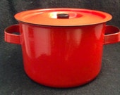 Vintage Enamel on steel Covered Pot. Finel Arabia. Red. Mid Century Modern, Eames Panton era. Danish Modern, 1960 39 s.