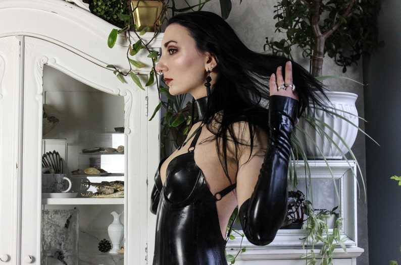 Long latex fingerless opera gloves image 0