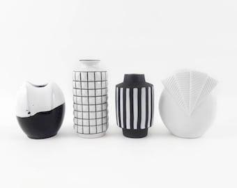 Vasen-Kollektion in schwarz und weiß mit Muster