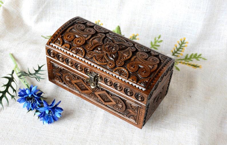 wedding ring holder wood jewellery box jewelry organizer box carving tarot box Wooden jewelry box schmuckk\u00e4stchen boite \u00e0 bijoux B11