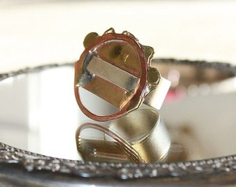 40% OFF ERRYTHANG // use code: ERRYTHANG // vintage funky brass circle ring
