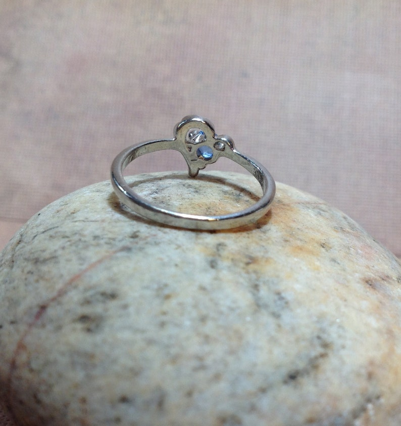 Heart Ring Blue Stone Unworn New Old Stock size 6