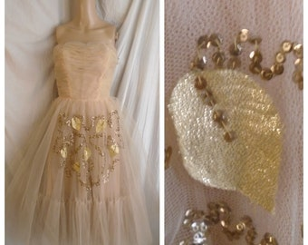 Vintage 1950s Formal Peach Net Strapless Gold Sequins and Lame Appliques Circle Skirt XS