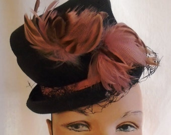 SALE Vintage 1940's Hat Tilt Topper Toy Hat Black Straw with Pink Feathers