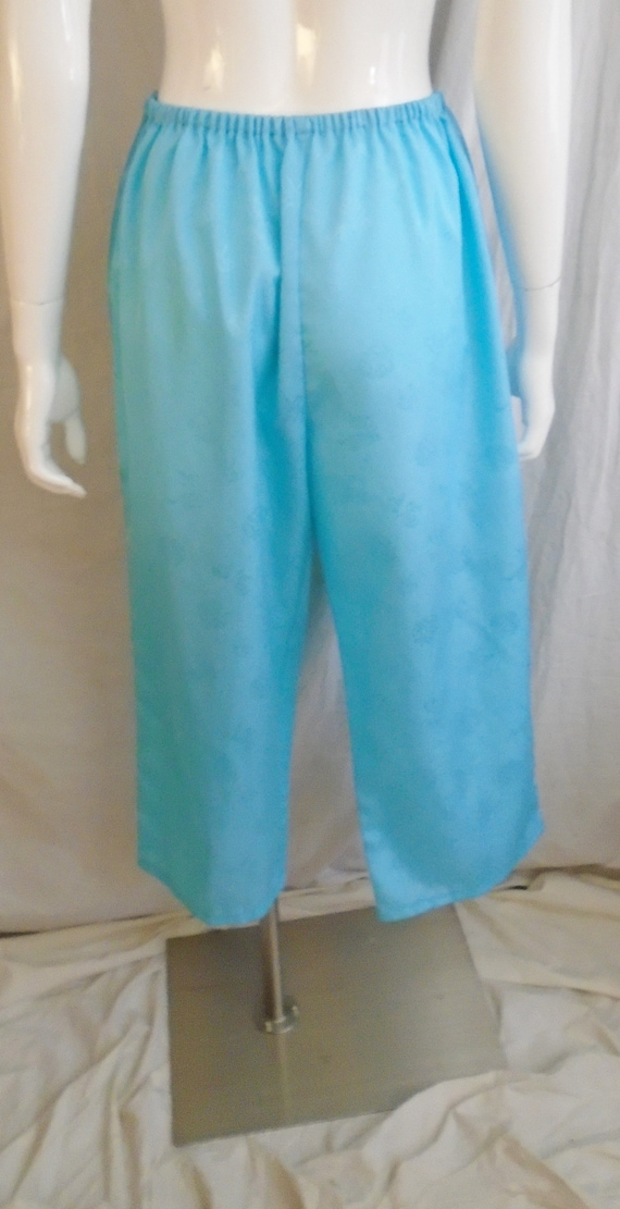 Vintage 1950s Pajamas Blue Asian Design Embossed … - image 2