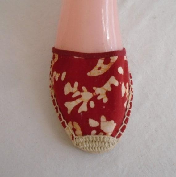 Vintage 1990s Shoes Red Batik Cotton Mules Women'… - image 3