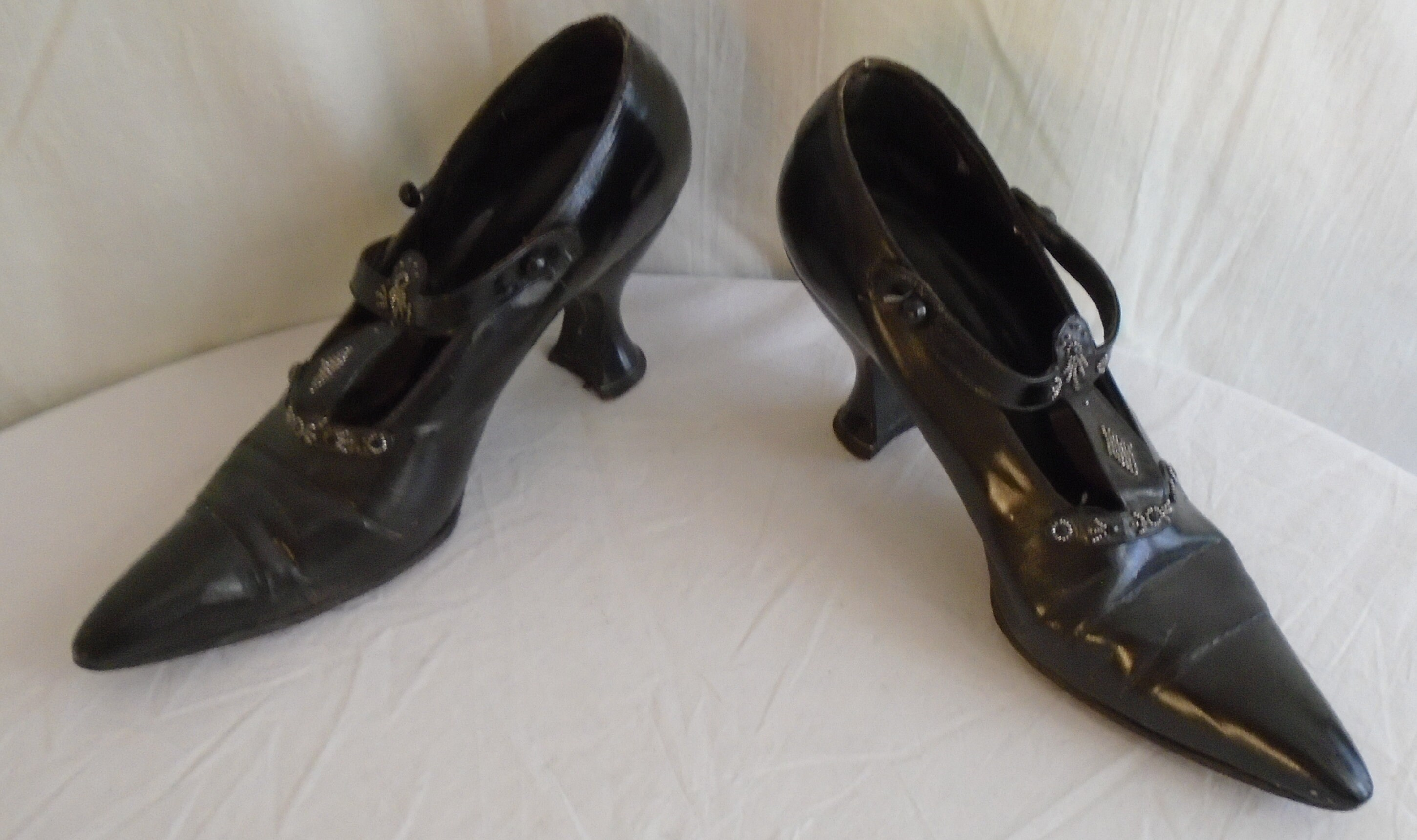 Vintage 1910s Shoes Edwardian Black Leather Louis Mary Janes with Beading Louis Leather Heel 39e823