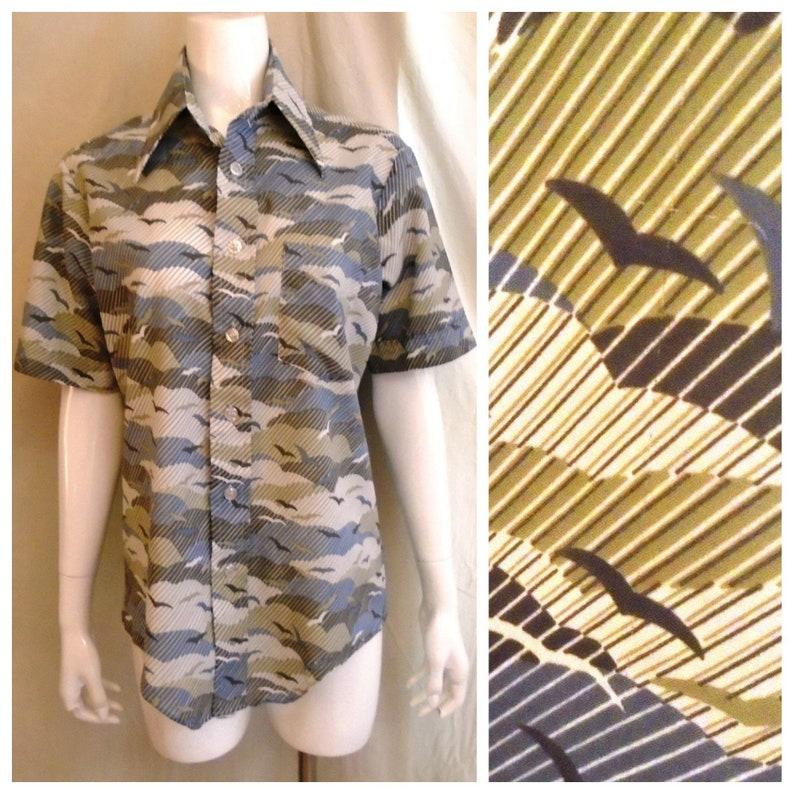 e0dfcd62 Vintage 1970s Mans Shirt Seagull Print Short Sleeve Disco | Etsy