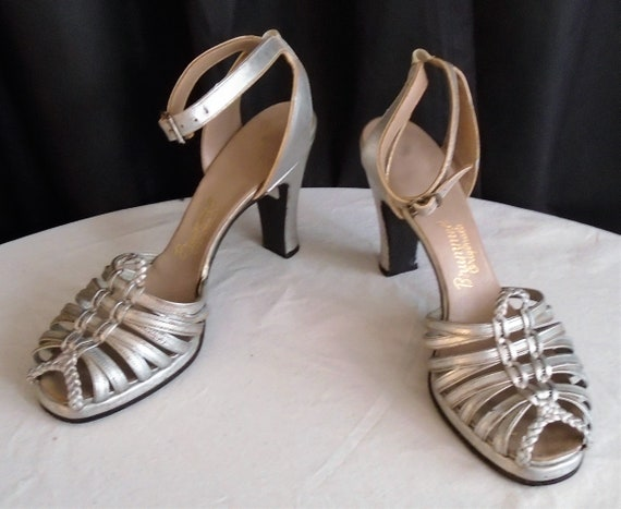 Vintage 1930s Shoes Silver Dancing Shoes Strappy O