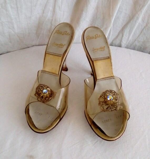 Vintage 1950s Shoes Lucite Springolators Carved Lu