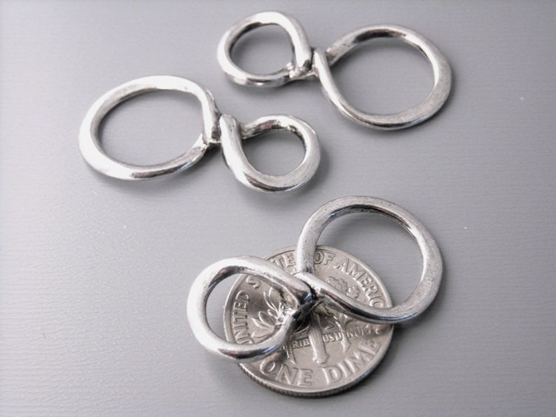 30 pcs - Antique Silver Infinity CharmConnector 30/% Off LAST BATCH