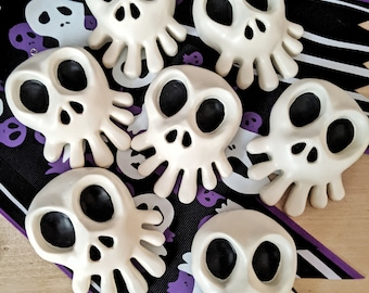 Mini Haunted Mansion Holiday Skull for Halloween and Christmas decoration. Nightmare Before Christmas ~Disneyland - Skull only