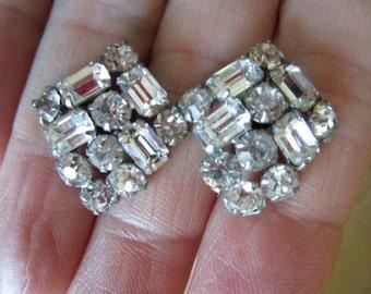 Vintage Art Deco Style Rhinestone Earrings Vintage Screw Back Earrings Sparkly Rhinestone Earrings Vintage Jewelry Wedding Special Occasion