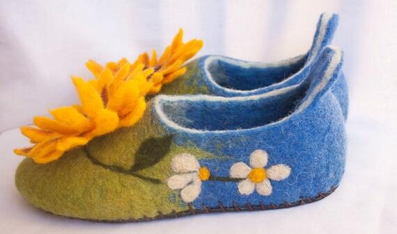 filzte Hausschuhe Wollhausschuhe gefilzte Brosche Sonnenblume Hausschuhe
