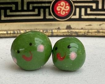 2 Peas.Porcelain Peas .2 ceramic green Peas .Cute  gift .Handmade in Wales ,Uk