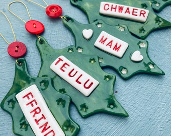 Welsh Holly Ffrind Teulu Chwaer Mam Anti Hanging Decoration.Christmas tree decorations/ornament.